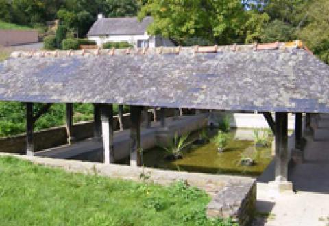 Cache muraille à Bain-de-Bretagne